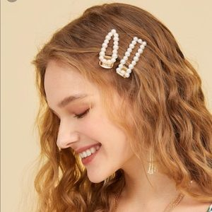 Accessories - Chic Faux Pearl Triangle and Square Hair Clip Set